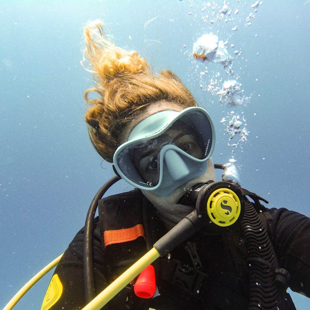 Annika Ziehen scuba diving in Mauritius