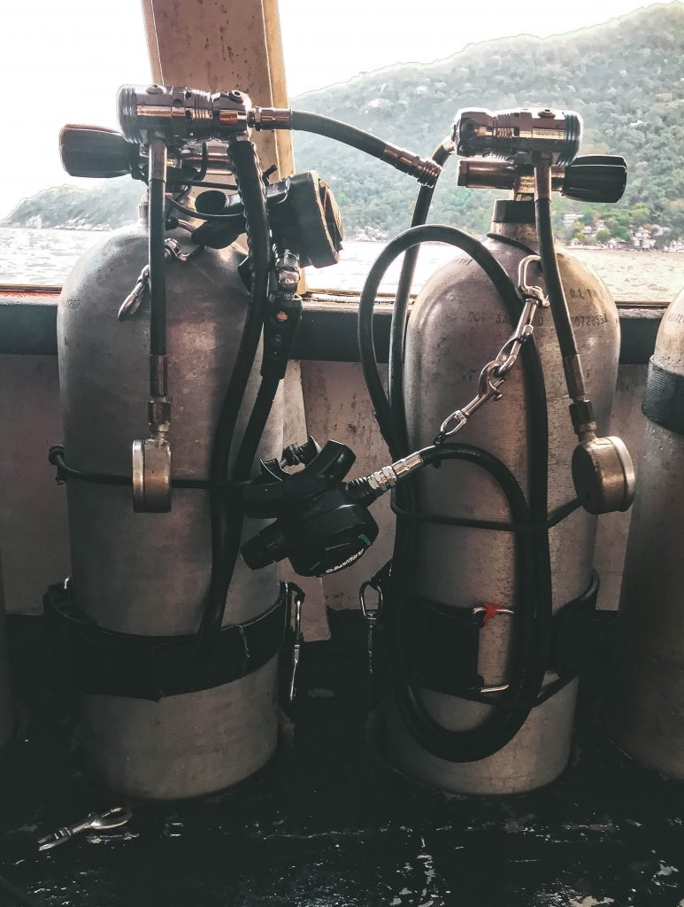 Sidemount rig and two tanks